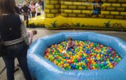 atrakce bazén s kuličkami