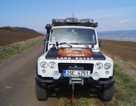 expediční vozidlo Land Rover Santana