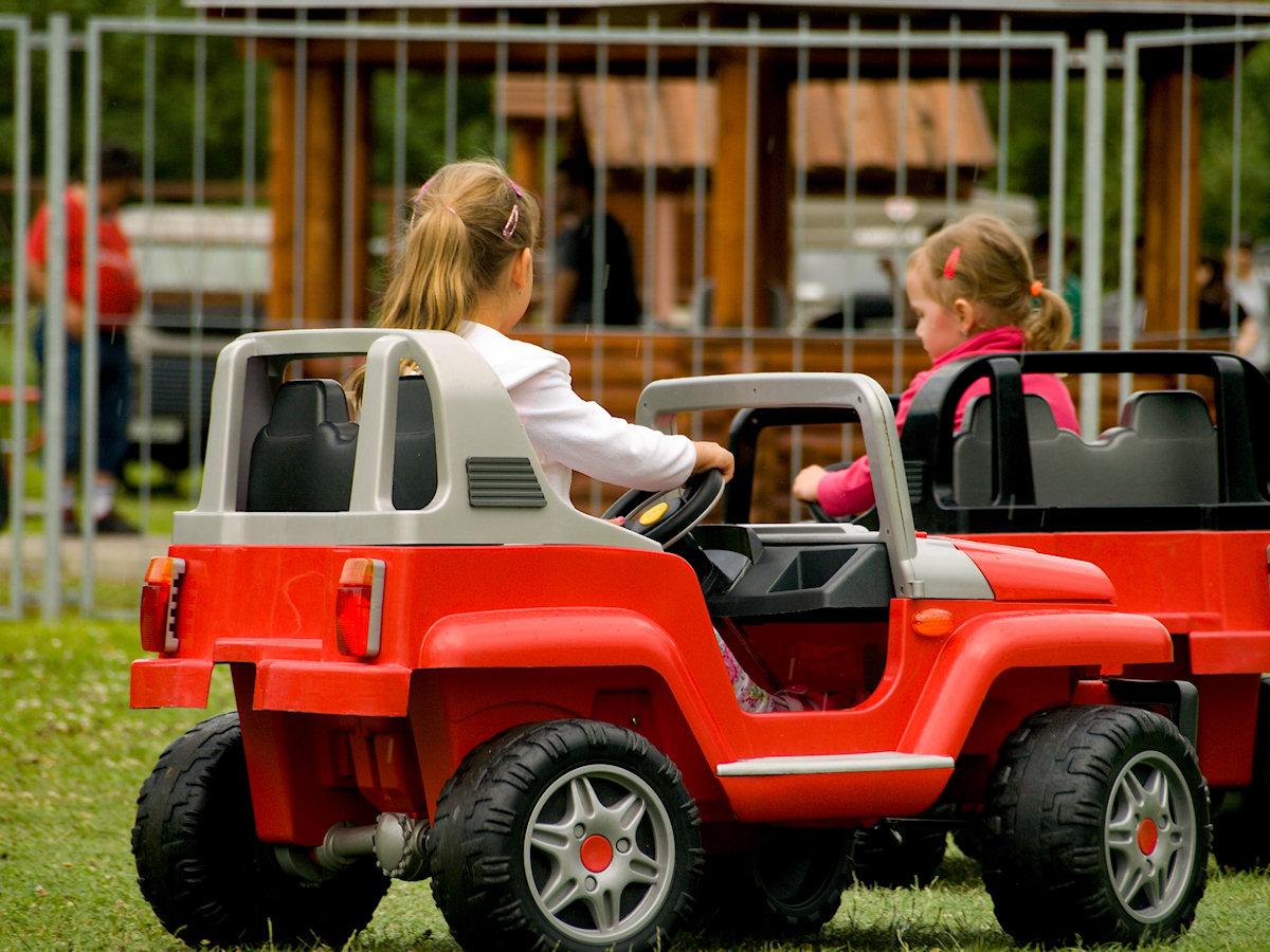 Dětská autíčka pronájem