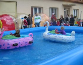 Bumper Boats – lodičky s motorkem