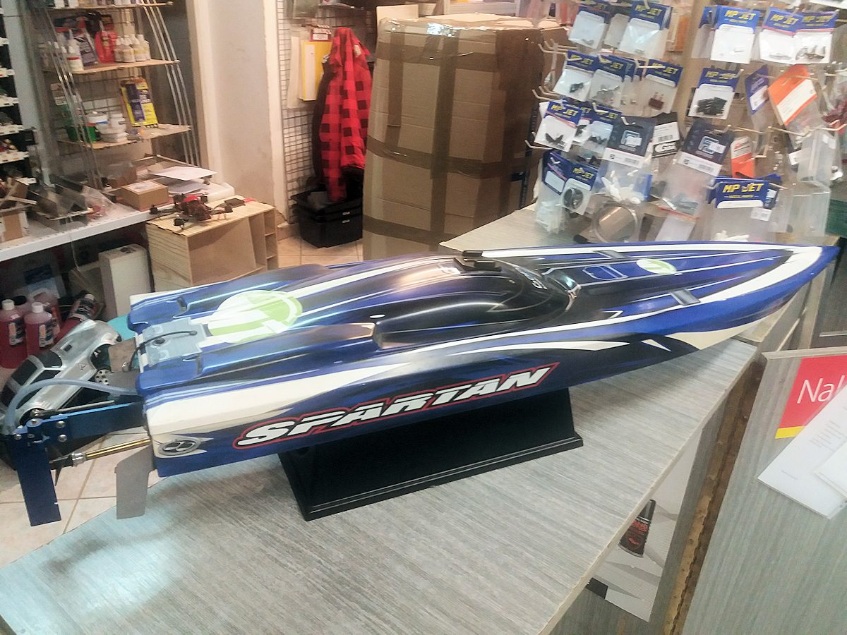 rc modely lodí speed boats