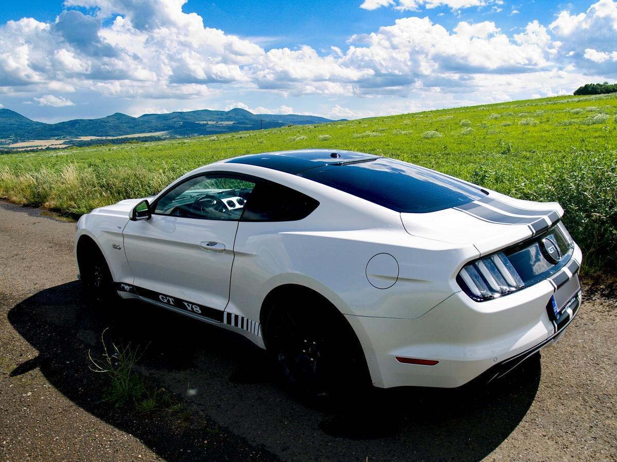 pronájem Ford Mustang GT