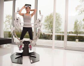 Nová atrakce Icaros umožňuje létat virtuální realitou