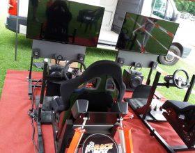 Racing simulátor pro dva pasažéry